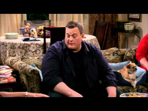 Mike & Molly - Peggy's New Beau