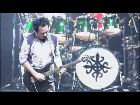 Toto - Hold The Line (Live In Paris 2007)