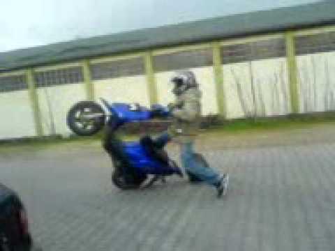 Lustiger Roller Unfall :D
