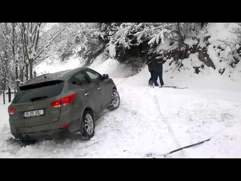 Hyundai ix35 in snow