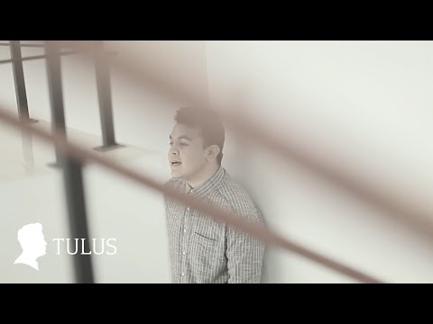 Download Lagu TULUS - Sewindu (Official Music Video) Music Video