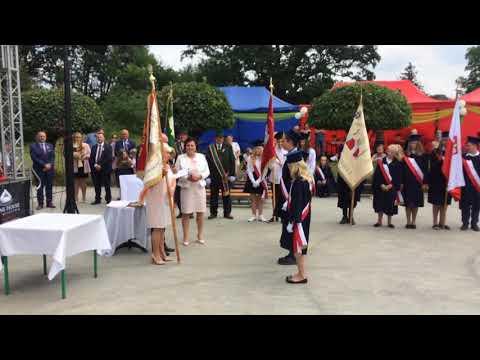Wideo1: Przekazanie sztandaru uczniom SP w Starych Drzewcach