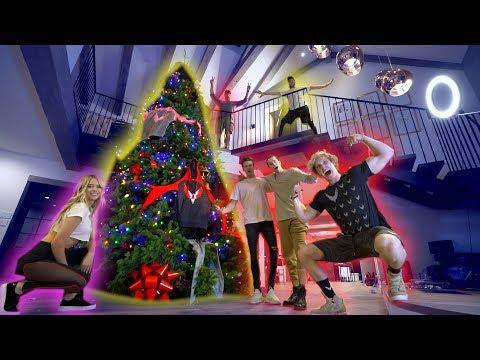 Status profundos - OUR GIANT MAVERICK CHRISTMAS TREE! **100,000 FEET**
