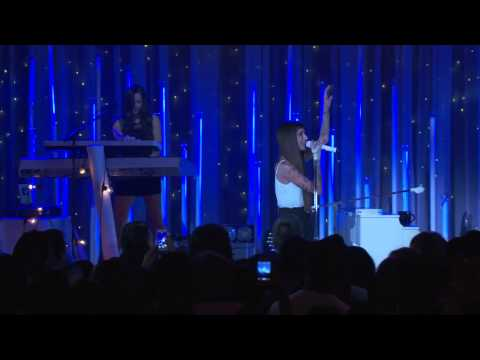 Christina Perri - Shot Me In The Heart - Live on the... Christina Perri