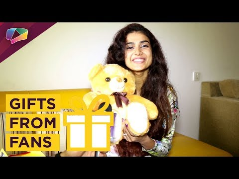 Aakanksha Singh Receives Gifts From Fans | Exclusi