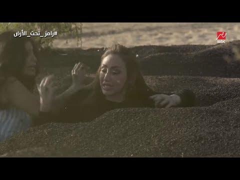 """ريهام سعيد تنفعل وتضرب مساعدة رامز بـ """"القلم""""  أثناء مواجهة سحلية رامز جلال"""
