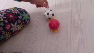 küçük ayakları olan kurulan oyuncak topları yarıştırdık. Çok eğlendik, tavsiye ederim