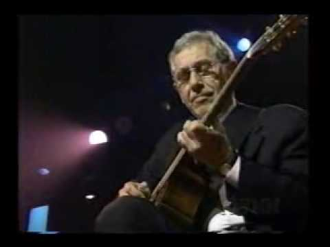 Atkins - Chet Atkins plays Don Mcleans wonderful song Vincent.