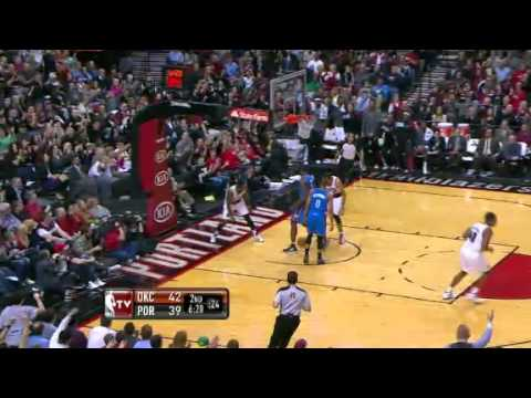 Wesley Matthews dunks on the Thunder