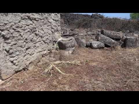 Gavião: aldeia abandonada em Vila Flor