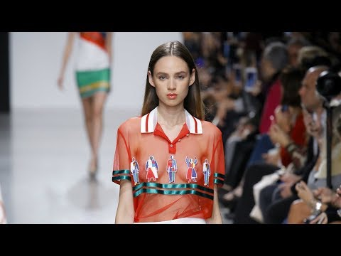 Valentin Yudashkin | SpringSummer 2018 | Paris Fashion Week