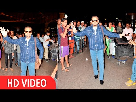 Gulshan Grover Spotted At International Airport for Iifa Awards