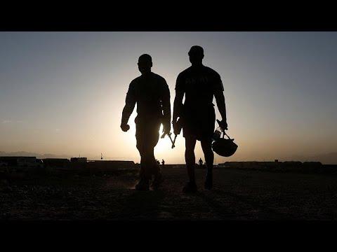 Νεκροί τρεις στρατιώτες του ΝΑΤΟ από βομβιστή αυτοκτονίας…