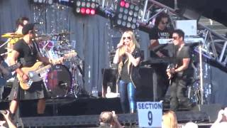 "Video Avril Lavigne - Here's to Never Growing Up  ""Wango Tango 2013"" MP3, 3GP, MP4, WEBM, AVI, FLV Agustus 2018"