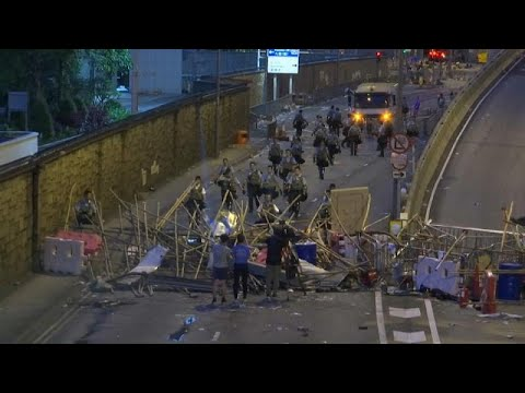 Χονγκ Κονγκ: Προσωρινή νίκη των διαδηλωτών
