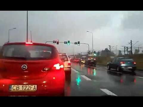 BMW w słup. Groźny wypadek w Bydgoszczy