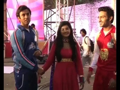 Stars of Zee TV's shows play cricket for Avni, Raj and Samarth  – Bollywood Country Videos