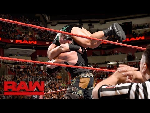 Braun Strowman vs. Rhyno: Raw, Jan. 1, 2018