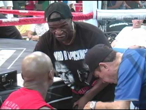 Floyd Mayweather Sr.: 'Master' will step in if son loses or Roger Mayweather's unavailable