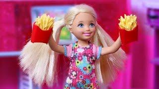"Video Life with Barbie Episode 33 - ""Freaky Fryday"" MP3, 3GP, MP4, WEBM, AVI, FLV Desember 2018"