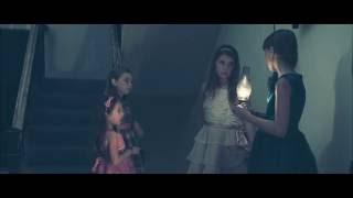 Nonton Sasha Neuhaus as Macy in