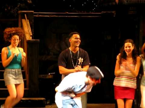 CarlitoPucl - Sunday February 15, 2009, Lin Manuel Miranda takes to the stage for his last performance as Usnavi in In the Heights. Here is his final bow for the show. Con...