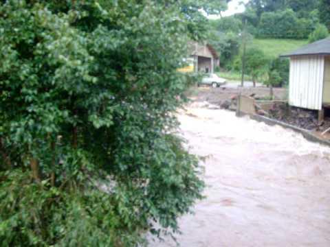 Enchente em Bomsucesso-Iomere-SC 24-02-2009