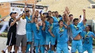 Depois de quatro anos, a equipe Júnior do Santos FC volta ao topo dos times de base no Estado. Neste sábado (01), no...