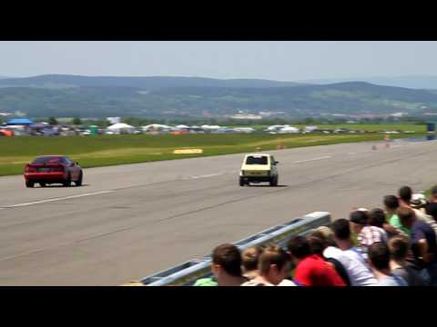 400+ HP Toyota Supra vs. 135 HP Fiat 126 @ 1/4 mile