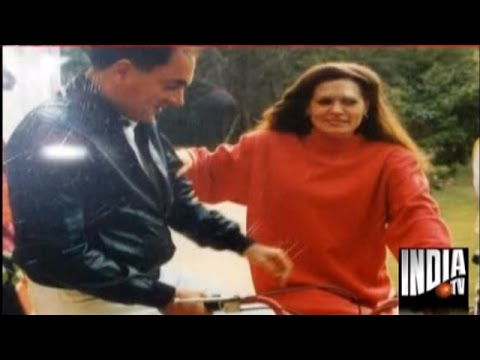 Sonia Gandhi - Watch India TV special program on Rajiv Gandhi's b'day - the love story of Rajiv & Sonia Gandhi.