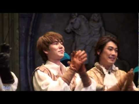 110727 - 110727 Musical [The Three Musketeers] curtain call(Kyuhyun focus) D'Artagnan: Kyhyun / Athos: Yu Jun Sang / Aramis: Min Young Ki / Porthos: Kim Beop Rae.