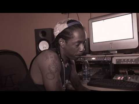 Starlito - Starlito gives an in-depth interview about how he created his new album Cold Turkey Filmed by Willie Curtis https://itunes.apple.com/us/album/cold-turkey/id6...
