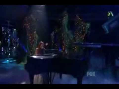 0 Video: Miley Cyrus performs When I Look At You on American Idol
