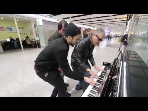 THREE PIANO DUDES BOOGIE WOOGIE THE AIRPORT