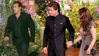 Video Salman Khan's MACHO ENTRY Next To Shahrukh Khan At Sonam Kapoor's Shaadi MP3, 3GP, MP4, WEBM, AVI, FLV Desember 2018