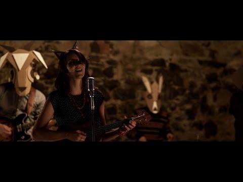 Sarah & The Adams - Mír a klid (Oficiální Videoklip)