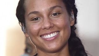 Video The Real Reason Alicia Keys Stopped Wearing Makeup MP3, 3GP, MP4, WEBM, AVI, FLV Maret 2018