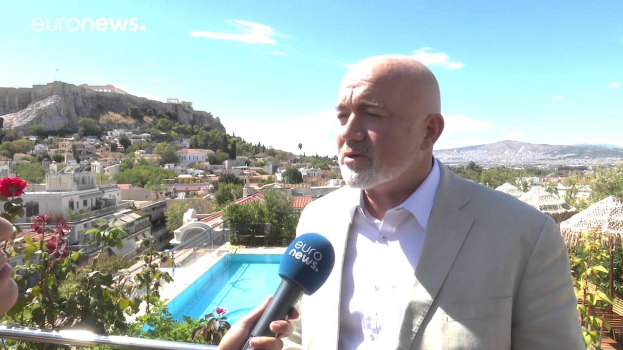 Ο Ντέιβιντ Ο Μπράιαν εξηγεί γιατί η Ryanair «κόβει» δρομολόγια στην Ελλάδα