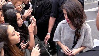 Video Selena Gomez confront a fan at NRJ radio station in Paris ! MP3, 3GP, MP4, WEBM, AVI, FLV Mei 2019