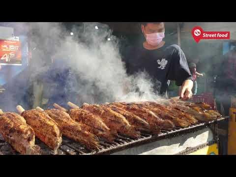 Đây là cách hô biến con cá lóc nướng đen thui thành vàng ươm cúng thần tài - Street Food - Thời lượng: 18 phút.