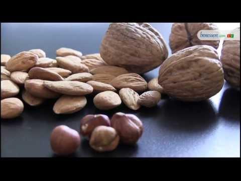 le proprietà nutrizionali e i benefici della frutta secca!
