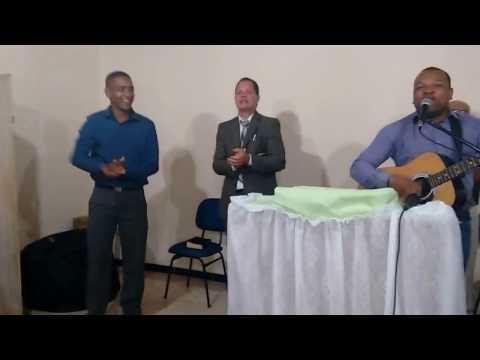 Oziel canta: festa de crente / Culto em São João da Ponte