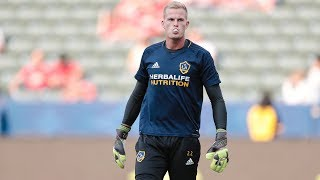 Jon Kempin makes a save against Manchester United.Want to see more from the LA Galaxy? Subscribe to our channel at http://www.youtube.com/LAGalaxy.Facebook: http://www.facebook.com/lagalaxyTwitter: http://www.twitter.com/lagalaxyWant to check out a game? Visit http://www.lagalaxy.com to view upcoming matches and purchase tickets!