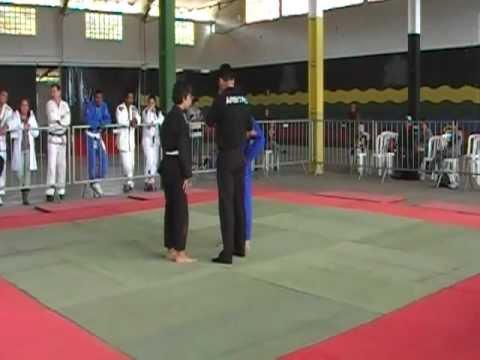 Yuji 3º campeonato regional pariquera-açu jiu jitsu 05/06/2011 parte 1/2