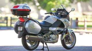 7. Battle Aprilia Mana 850 GT ABS vs Honda NT700V ABS Comparison Reviews