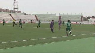 LES FOOTBALLEUSES ALGERIENNES FACE A UN DILEMME