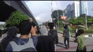 Video Dikejar Warga yang Demo Truk TNI ini lawan Arus Lalu lintas MP3, 3GP, MP4, WEBM, AVI, FLV Juni 2017