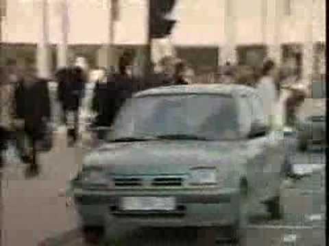 Original forma de entrar en tu coche - Renault Megane