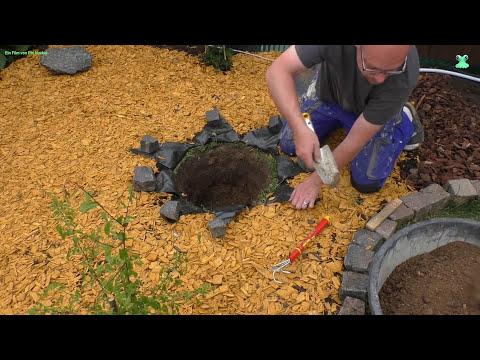 Gartengestaltung - Zierbrunnen einbauen und anschließen (Anleitung)