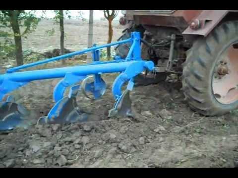 UNIVERSAL 650 LA ARAT  plowing